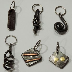 Porte-clés fer et pierres
