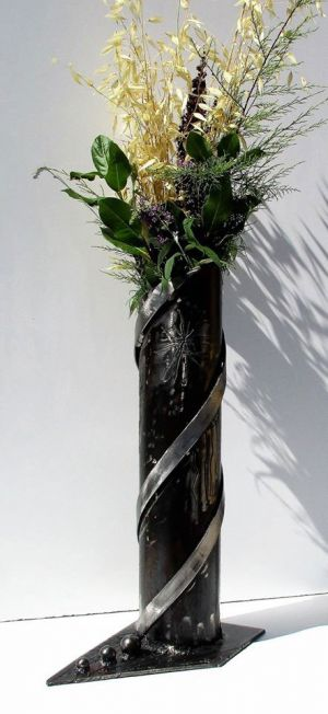 Vase - sculpture en fer forgé