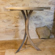 Table, flat iron and waxed concrete 60 cm X 60 cm Prix 640 € Disponible