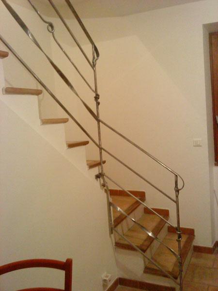 Escalier Simple rampe d'escalier simple et sobre avec petite fantaisie - atelier fer