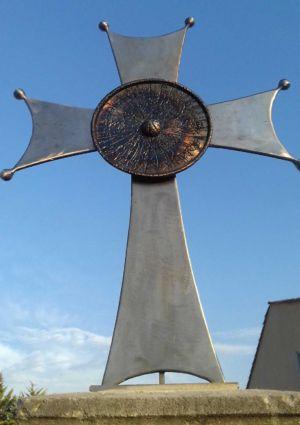 Croix - Lincel - Saint-Michel l'Observatoire - Eric Litschky, atelier Fer et matières