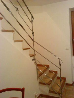 Escalier-rambarde-fer-rond-plat