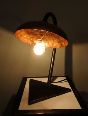 Lampe sculpture fer