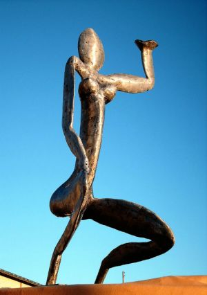 Sculptures Fer   femme  environ 1,20 m