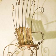 Throne, iron and larch wood, 2,2m tall