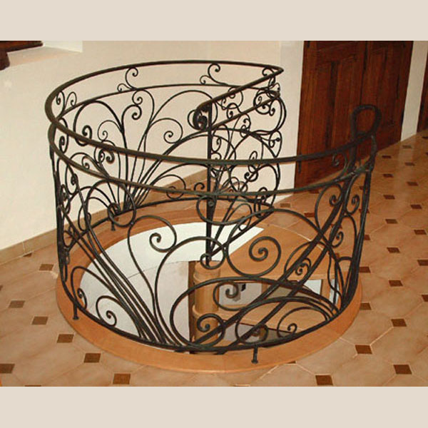 balustrade-for-spiral-staircase-in-wrought-iron-